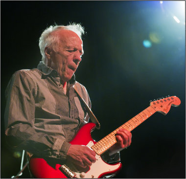 the playful heart robin trower 39 s may 2011 tour reviewed by. Black Bedroom Furniture Sets. Home Design Ideas